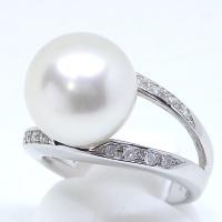 【K18WG】ホワイトゴールド 真珠 11.7mm ダイヤ 0.16ct 指輪